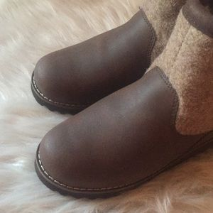 UGG Shoes - NEW UGG KID'S BAYSON color:STOUT WATERPROOF